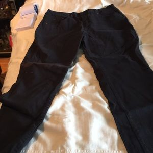 Signature Black Stretch Jean